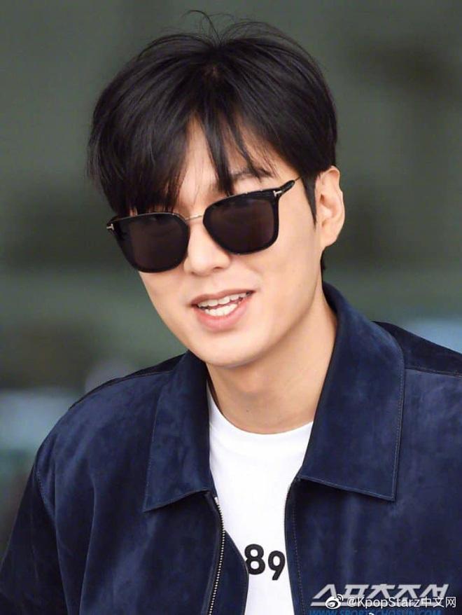 Lee Min Ho ra sân bay thôi mà quá sức bảnh bao, nhưng không giấu nổi sự tăng cân và bờ môi khô nứt nẻ - Hình 9