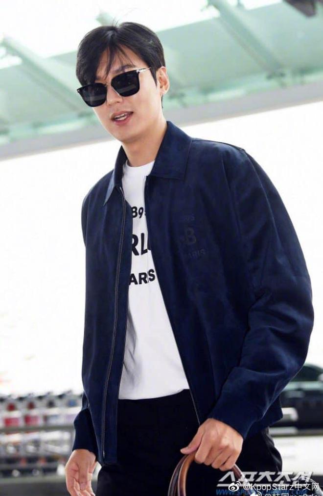 Lee Min Ho ra sân bay thôi mà quá sức bảnh bao, nhưng không giấu nổi sự tăng cân và bờ môi khô nứt nẻ - Hình 8