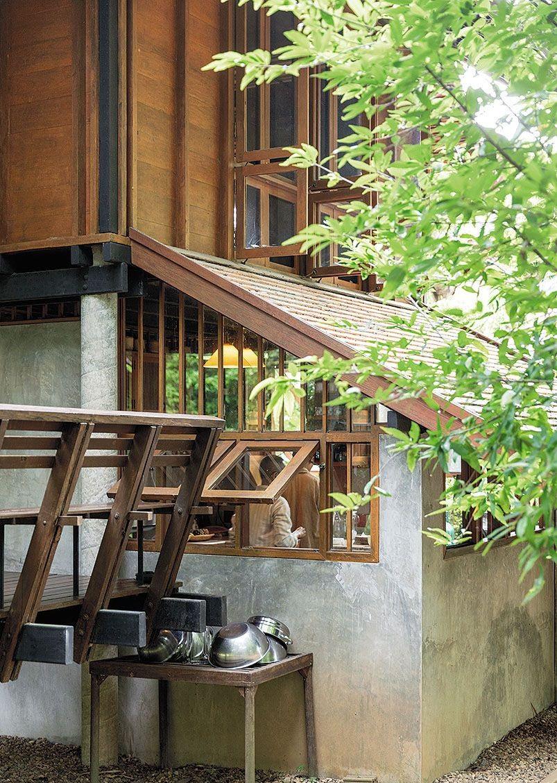 Ngôi nhà gỗ bất chấp nắng nóng, chỉ có gió mát và ánh sáng ngập tràn - Hình 5