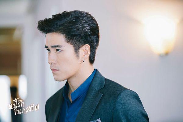 Tạm xa khun Sila (Tor Thanapob), mọt phim Thái lại tiếp tục quắn quéo cùng anh chàng mafia mới Mark (Alek Teeradetch) - Hình 7