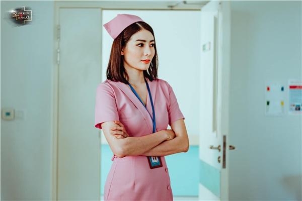 Tạo hình chị đại quyền lực, Kim Nhã giải mã chuyện hậu cung của những người làm trong bệnh viện - Hình 1