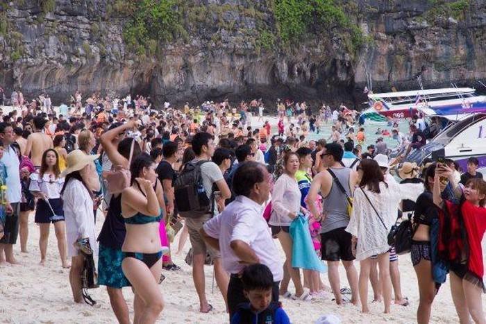 Thái Lan muốn hạn chế lượng khách ở các danh lam thắng cảnh - Hình 1