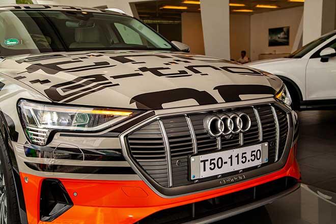 Chiêm ngưỡng hình ảnh của SUV chạy điện Audi E-tron đầu tiên tại Việt Nam - Hình 8