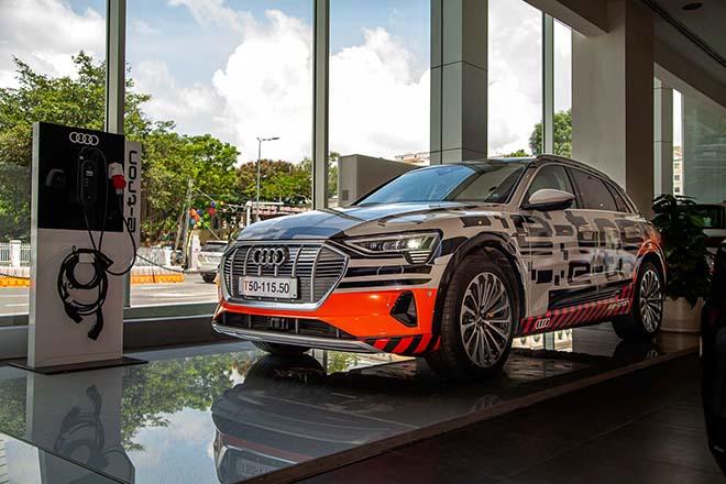 Chiêm ngưỡng hình ảnh của SUV chạy điện Audi E-tron đầu tiên tại Việt Nam - Hình 1