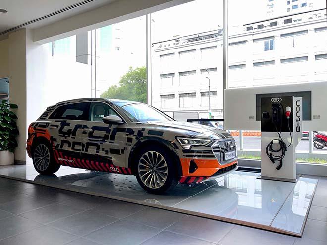 Chiêm ngưỡng hình ảnh của SUV chạy điện Audi E-tron đầu tiên tại Việt Nam - Hình 5