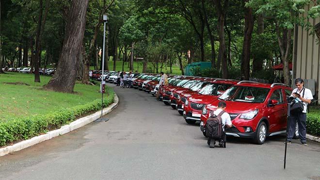 Hàng trăm xe Vinfast Fadil đã đến tay khách hàng trong sáng nay, lập kỷ lục chưa từng thấy - Hình 14