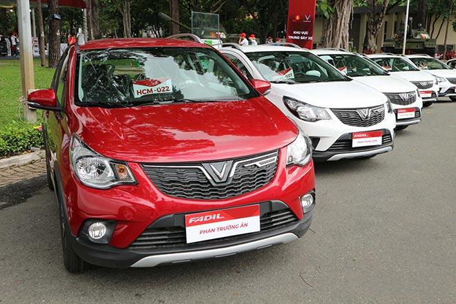 Hàng trăm xe Vinfast Fadil đã đến tay khách hàng trong sáng nay, lập kỷ lục chưa từng thấy - Hình 1