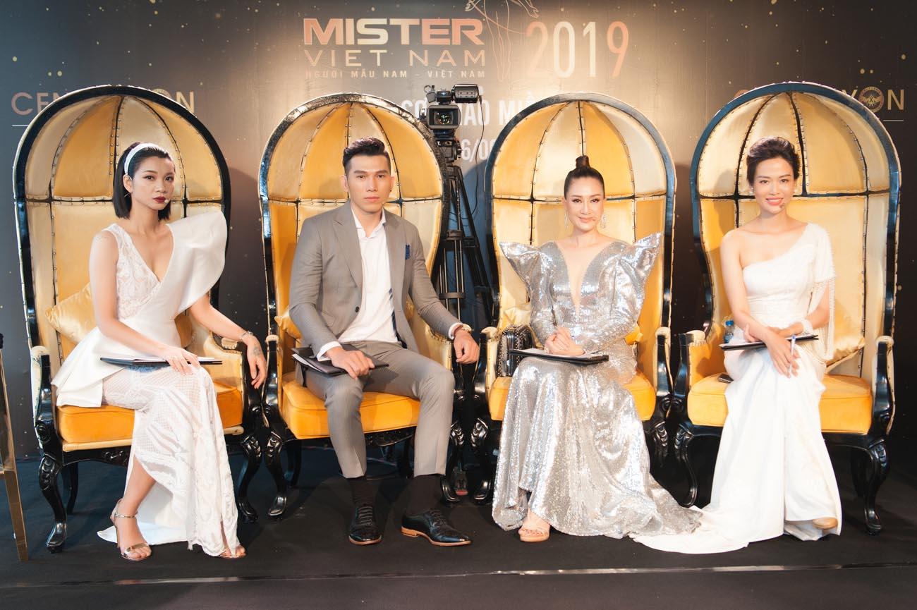 Hoa hậu Đàm Lưu Ly toát mồ hôi trước dàn nam thần 6 múi của Mister Vietnam 2019 khu vực miền Bắc - Hình 5