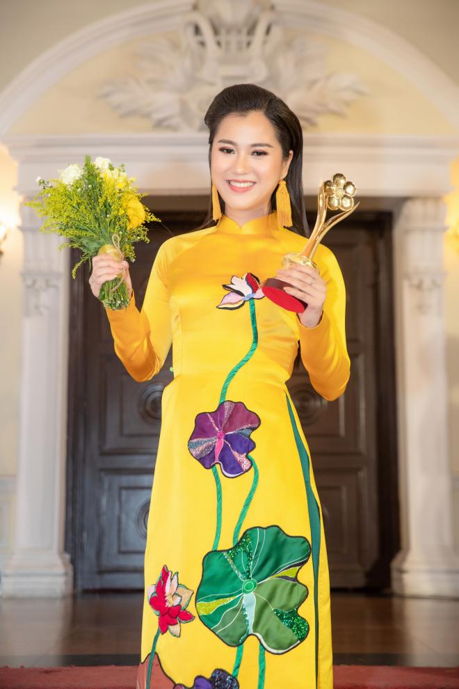Lâm Vỹ Dạ: Nữ hài ăn khách bậc nhất của chương trình truyền hình, gameshow hiện nay - Hình 6