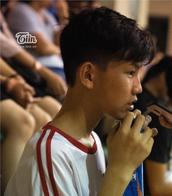 Loạt thiên thần nhí chiếm spotlight trên khán đài trong trận Hanoi Buffaloes gặp Danang Dragons - Hình 4