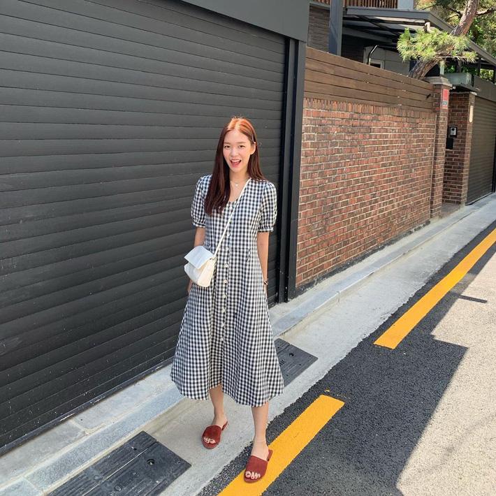 Ngắm street style Châu Á mới thấy, hóa ra mặc mát mẻ mà vẫn chất lại dễ dàng quá thế này - Hình 4