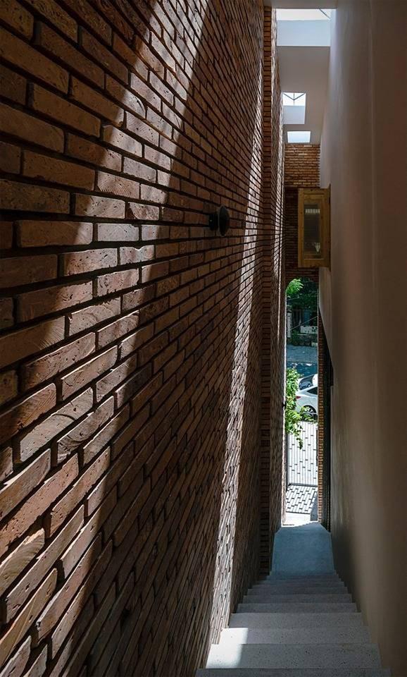 Ngôi nhà ống sở hữu thiết kế nhà trong nhà cực độc đáo ở thành phố đáng sống nhất Việt Nam - Hình 21