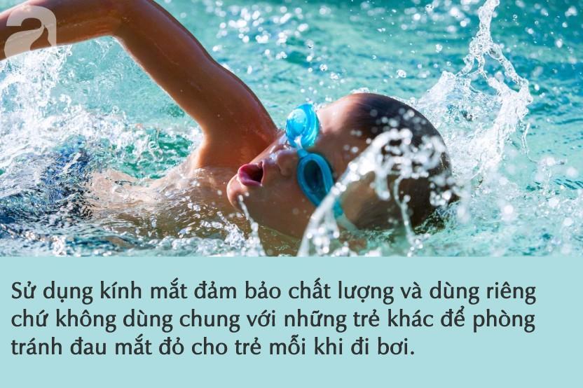 Nước ở các bể bơi là tác nhân gây bệnh đau mắt đỏ: Việc cần thiết cha mẹ phải làm để phòng bệnh cho con khi đi bơi - Hình 3