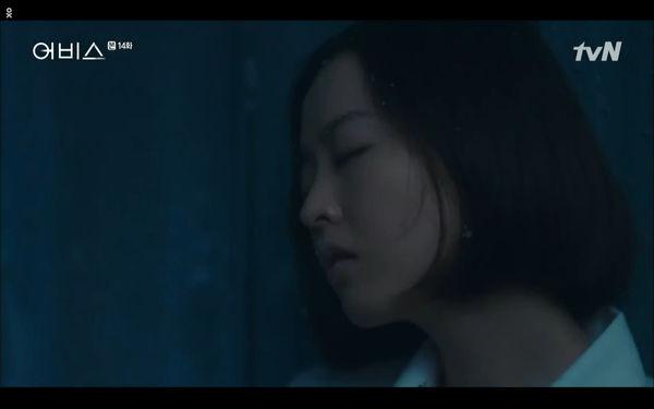 Phim Abyss tập 13-14: Ahn Hyo Seop lại hồi sinh ác nhân, đau khổ khi Park Bo Young bị nhốt trong phòng băng đến chết - Hình 58