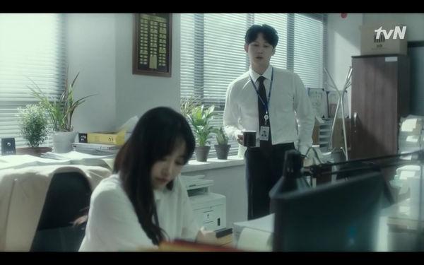 Phim Abyss tập 13-14: Ahn Hyo Seop lại hồi sinh ác nhân, đau khổ khi Park Bo Young bị nhốt trong phòng băng đến chết - Hình 12