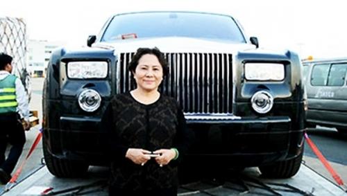 Rolls-Royce Phantom biển số 77L-7777 của bà Dương Thị Bạch Diệp khủng cỡ nào? - Hình 4