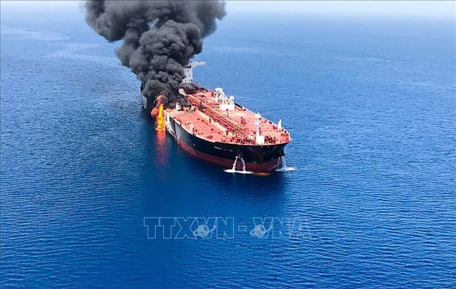 Sự cố tàu trên Vịnh Oman: Iran bác các cáo buộc tấn công tàu chở dầu - Hình 1