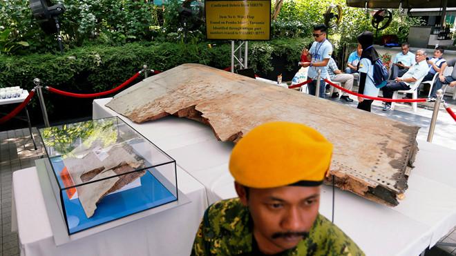 Sự thật về MH370 : Vỡ tan như pháo hoa? - Hình 1