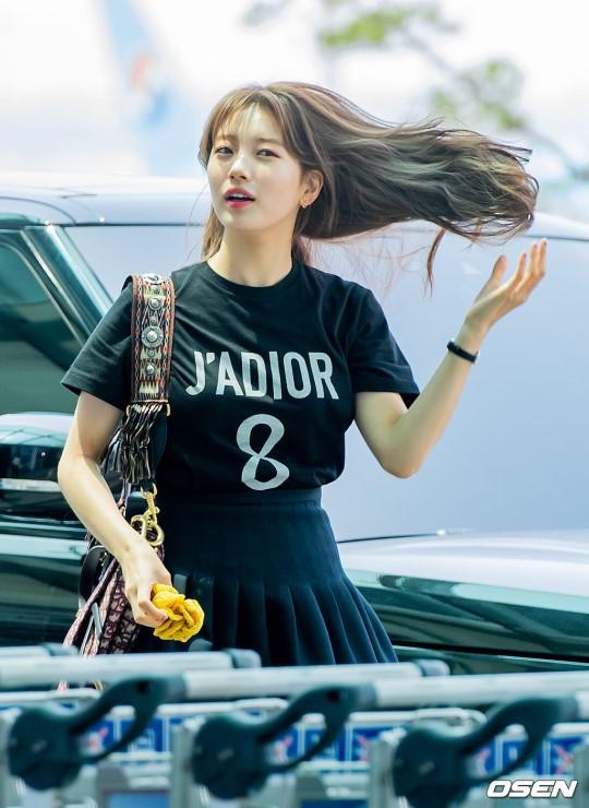 Taeyeon gây choáng với nhan sắc đỉnh đến mức lấn át cả nữ thần Suzy, Irene đẹp bất chấp bên Red Velvet tại sân bay - Hình 8