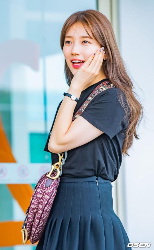 Taeyeon gây choáng với nhan sắc đỉnh đến mức lấn át cả nữ thần Suzy, Irene đẹp bất chấp bên Red Velvet tại sân bay - Hình 9