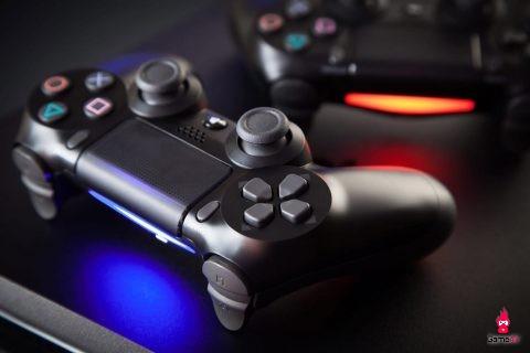 Vì sao Sony và Microsoft sẵn sàng chịu lỗ bán PS5 và Xbox Scarlett với giá dưới 400 đô? - Hình 2