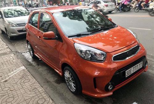 Xe chở rác, ô tô giá bèo cõng biển số khủng trên đường phố Việt - Hình 5