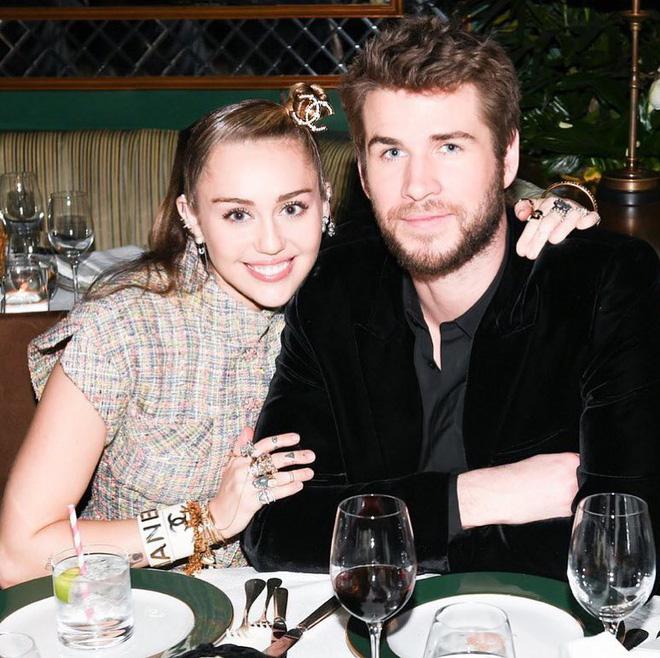 Cặp đôi vàng của làng Instagram Liam và Miley Cyrus: Khiến cả thế giới ghen tị vì quá tình, quậy hết phần thiên hạ - Hình 2