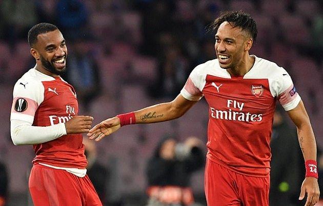 Emery nhận đề nghị khủng cho Vua phá lưới, Robertson mới sắp cập bến Arsenal - Hình 1