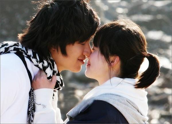 Fan girl nào đã từng điên đảo với 3 bộ phim Hàn này thì giờ chắc cũng làm vợ, làm mẹ cả rồi - Hình 4