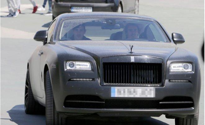 Mục tiêu bom tấn của Man Utd sở hữu dàn siêu xe đáng mơ ước - Hình 5