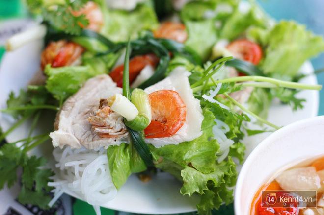 Thời tiết Hà Nội cứ vài hôm lại nóng chảy mỡ, không biết ăn gì thì sao không thử 1001 món cuốn này đi - Hình 3