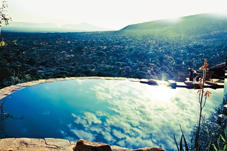 Top những bể bơi sang chảnh, tuyệt vời trên thế giới - Hình 13