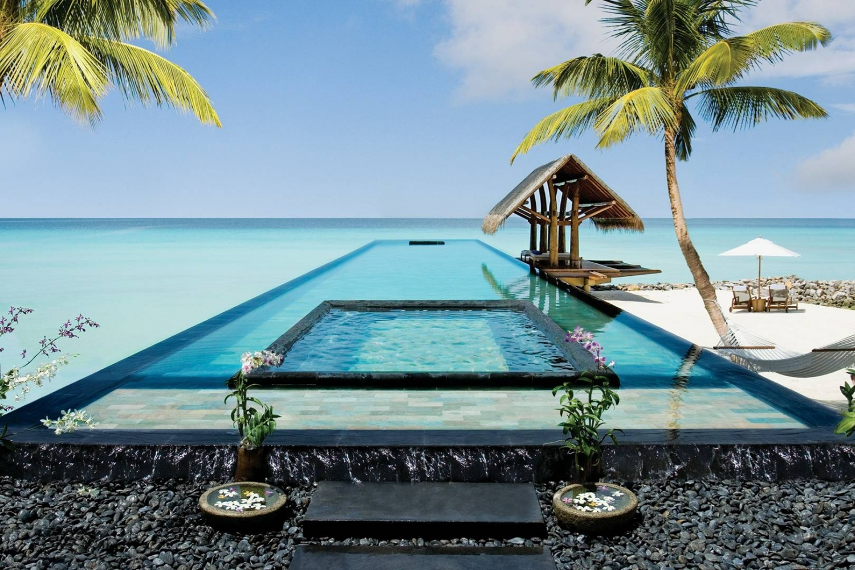Top những bể bơi sang chảnh, tuyệt vời trên thế giới - Hình 11