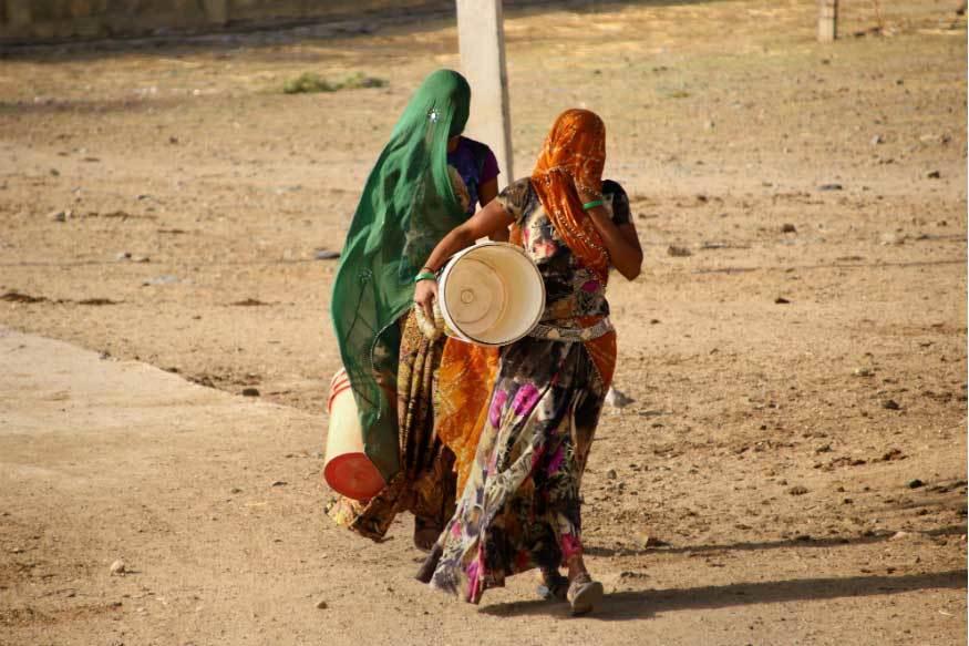 Trời nóng 50 độ C, gần trăm người Ấn Độ thiệt mạng - Hình 2