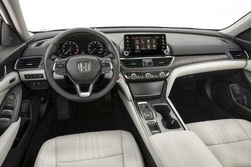 Với những tính năng này Honda Accord 2019 có đáng 'đồng tiền bát gạo'? - Hình 2