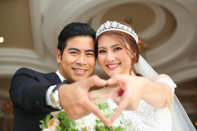 Ngày càng xinh đẹp sau khi kết hôn, những nữ nghệ sĩ Việt này là điển hình của trường hợp lấy đúng người - Hình 19