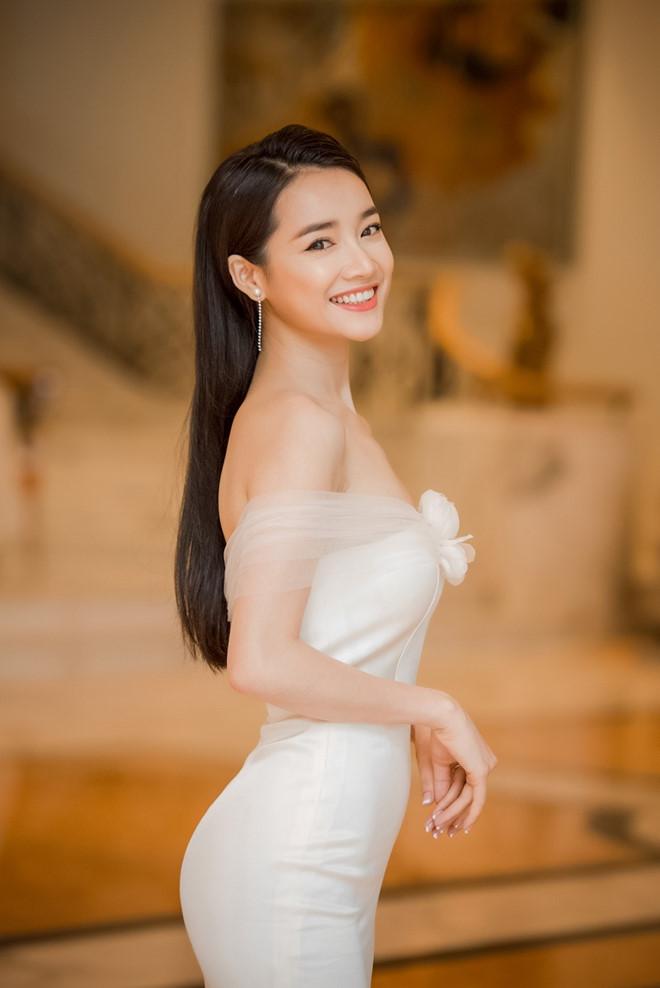 Ngày càng xinh đẹp sau khi kết hôn, những nữ nghệ sĩ Việt này là điển hình của trường hợp lấy đúng người - Hình 11