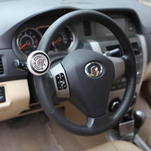 8 phụ kiện ô tô mua chỉ phí tiền mà người mới có xe nên tránh - Hình 1