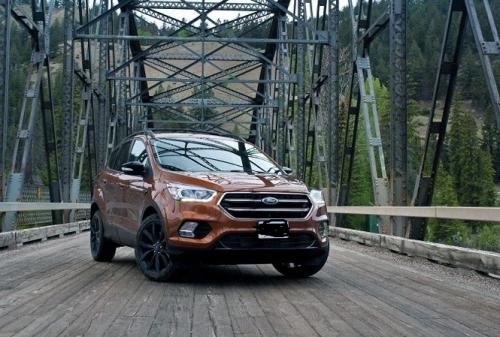 Lọt top bán chạy nhất nhưng xe Ford Escape 2018 vẫn tồn tại loạt nhược điểm - Hình 1