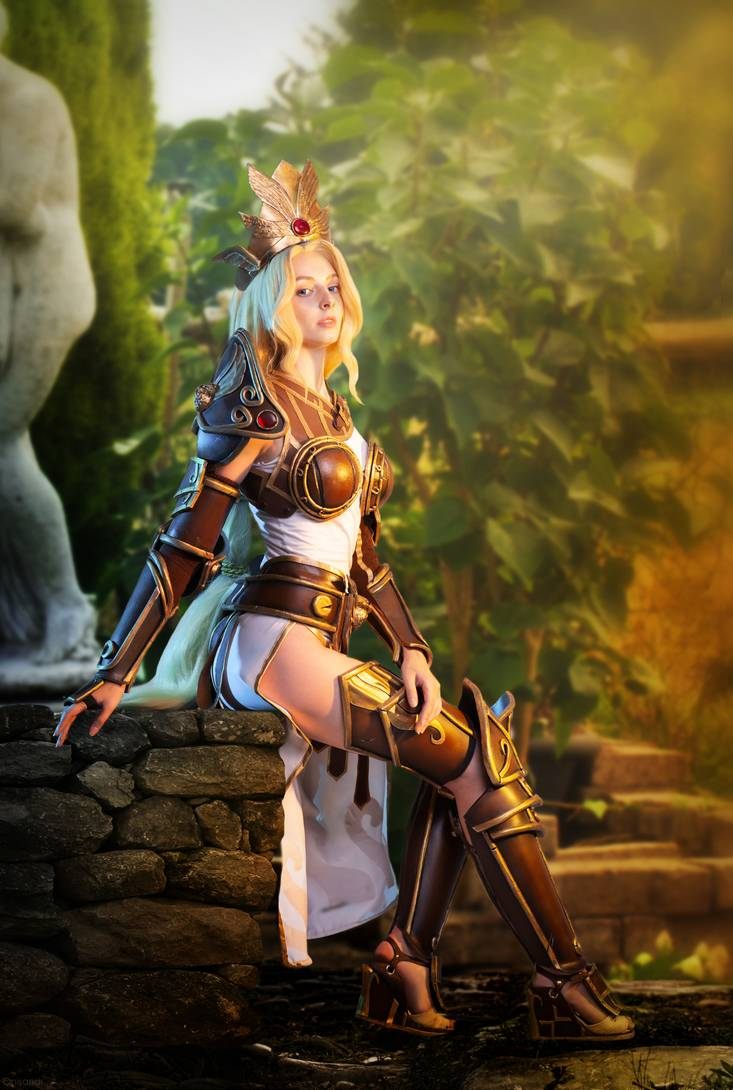 Màn cosplay Athena đẹp xuất thần từ video game Smite - Hình 1