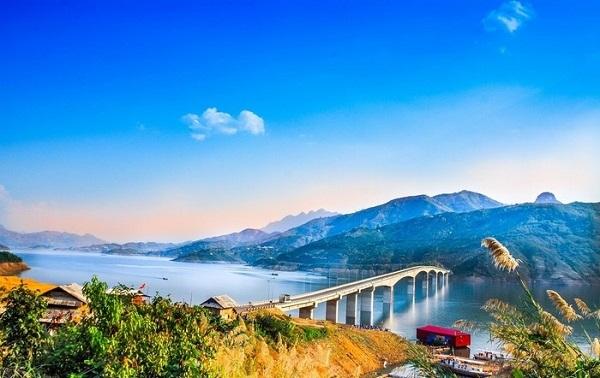 Cầu Pá Uôn - Cây cầu kỷ lục Việt Nam - Hình 2