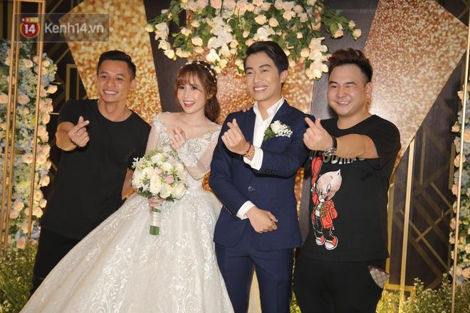 Streamer giàu nhất Việt Nam cùng dàn khách mời đình đám tại lễ cưới Cris Phan - Mai Quỳnh Anh - Hình 2