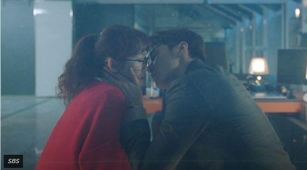 7 phân cảnh trong những bộ phim Hàn Quốc sau sẽ khiến tim bạn rung rinh! - Hình 1