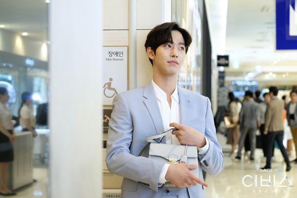 Abyss chưa hết, Ahn Hyo Seop đã rục rịch đóng phim hài lãng mạn Người thầy y đức 2 - Hình 6