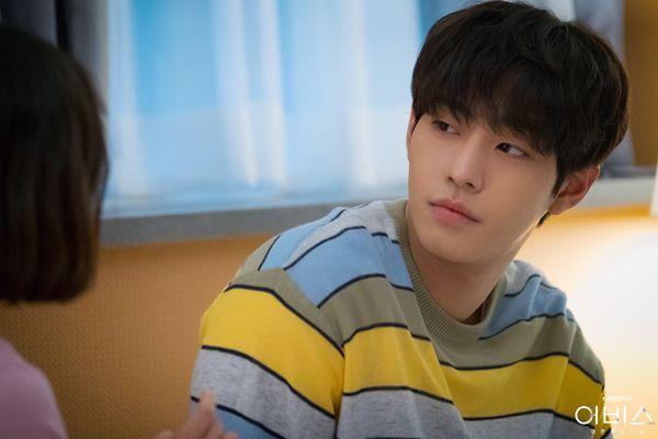 Abyss chưa hết, Ahn Hyo Seop đã rục rịch đóng phim hài lãng mạn Người thầy y đức 2 - Hình 3