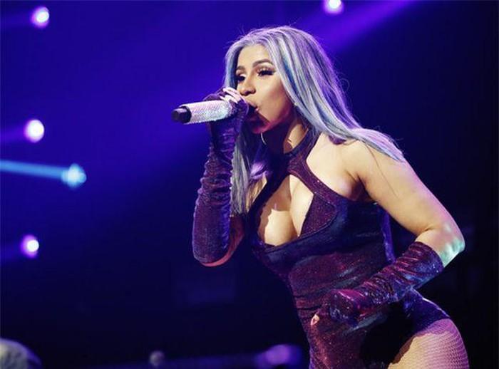 Cardi B nổi bật trong sự kiện âm nhạc diễn ra ở Los Angeles - Hình 2