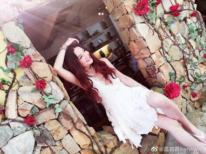 Đát Kỷ Ôn Bích Hà khoe ảnh du lịch Nha Trang, dân tình chỉ dán mắt vào body U55 mà gợi cảm như gái đôi mươi - Hình 2
