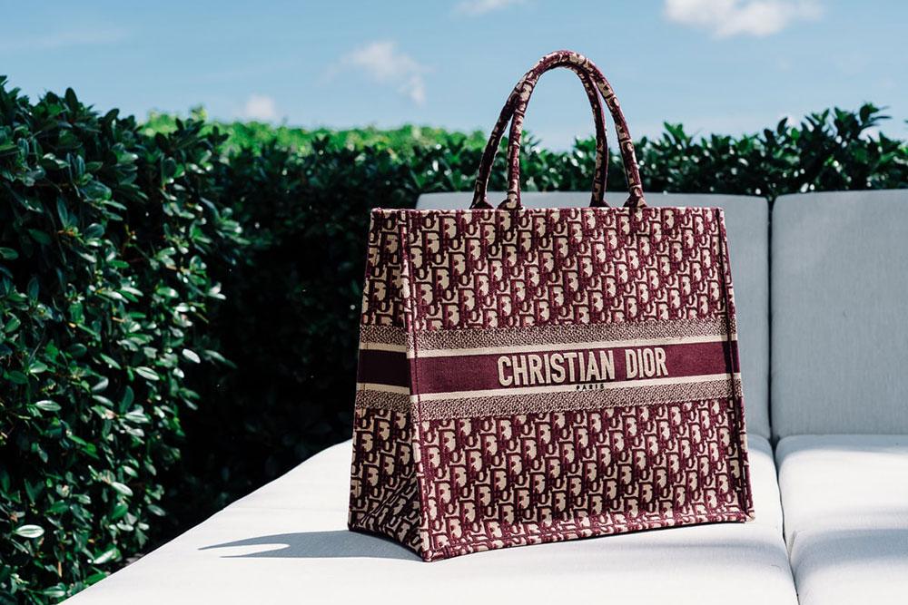 Dior sẽ thêu Monogram riêng cho bạn tại Abcdior Popup - Hình 5