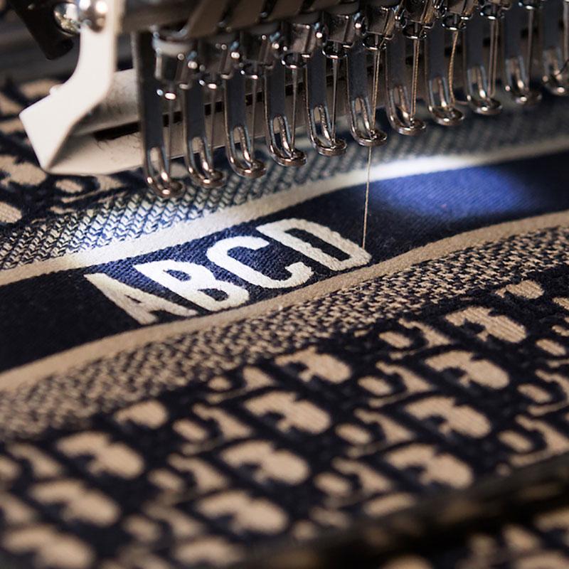 Dior sẽ thêu Monogram riêng cho bạn tại Abcdior Popup - Hình 1