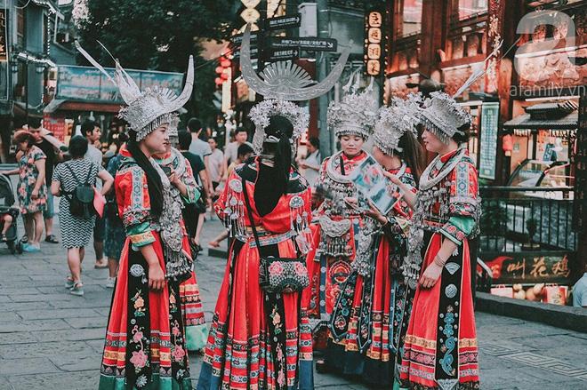 Kinh nghiệm du lịch Phượng Hoàng Cổ Trấn chỉ 13 triệu/người cho 9 ngày mà ở homestay đẹp, ăn uống tùy hứng - Hình 31